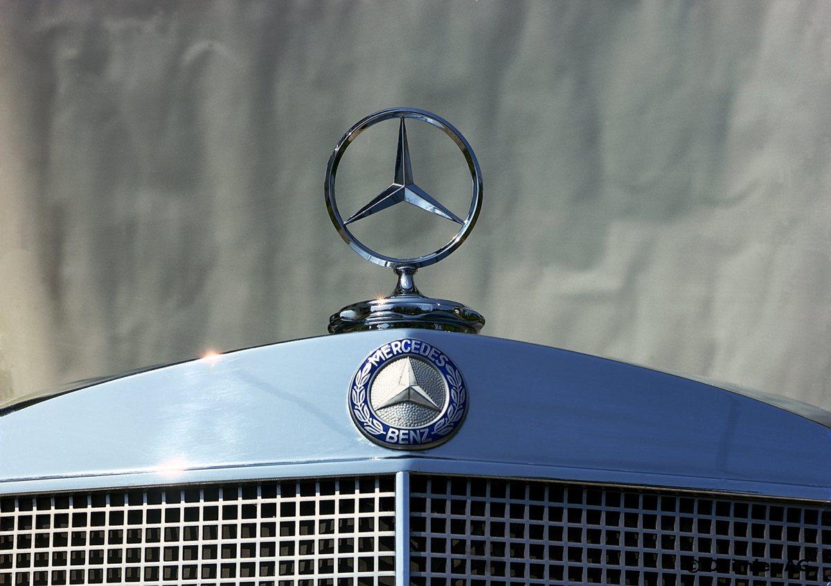 Mercedes-Benz-S-Klasse-Club-Nederland-W108-W109-02