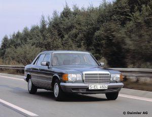 Mercedes-Benz-S-Klasse-Club-Nederland-S-Klasse-Sedan-W126-02-300x231