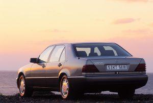 Mercedes-Benz-S-Klasse-Club-Nederland-S-Klasse-Sedan-W140-01-300x203